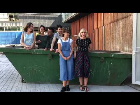 Nerabeen  artean  lesbianismoa  ikusgai  egiteko  asmoz,  ´Käffka´  izeneko  antzezlanerako  crowdfunding-a  abian