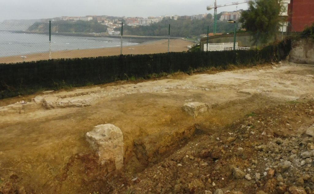 Historiaurreko  aztarnategi  bat  aurkitu  dute  Getxoko  Punta  Begoñan