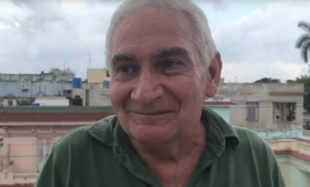 'El  que  fuma,  bebe  y  canta'  proiektua  aurkeztu  dute  Sarrionandiak,  Ray  Fernandezek  eta  Aristides  Hernandezek