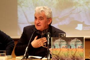 Letren  Sari  Nazionala  jasoko  du  Bernardo  Atxaga  idazleak