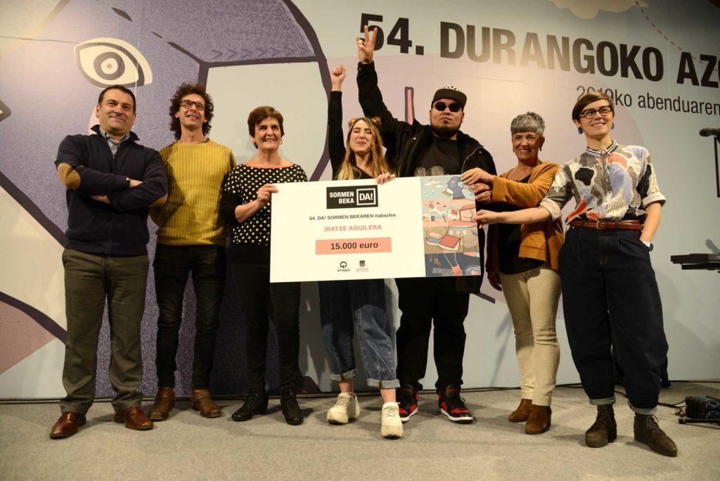 'Euskararen  periferiatik'  musika  urbanoa  lantzen  duen  proiektuak  irabazi  du  Azokako  II.  Sormen  Beka