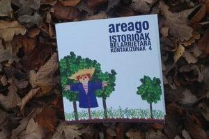 'Areago  Istorioak  belarrietara'  liburu  ilustratua  aurkeztu  dute