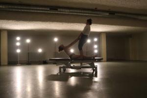 [BIDEOA]  Poema  bisuala  opari  Metrokoadrokaren  eskutik