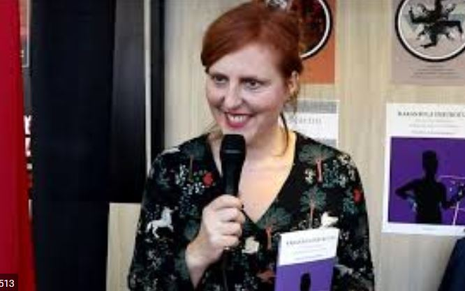 'Karanbola  hirukoitza:  emakumeen  presentzia  euskarazko  antzerki  sorkuntzan'  saiakera  osorik  sarean