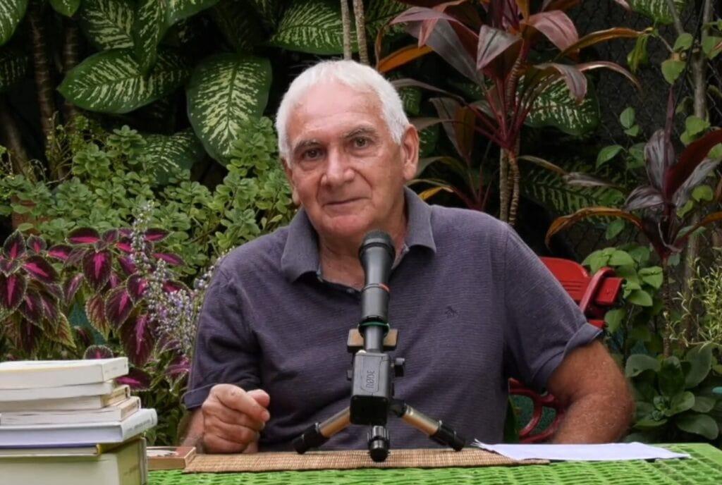 [BIDEOA]  Joseba  Sarrionandiak  'Gauzak  direna  balira'  gaukaria  aurkeztu  du  Habanatik