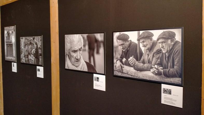 Fede Merino argazkilariaren 'Kresala. Bermeo 1974-1976' erakusketa Arrantzaleen Museoan ikusgai